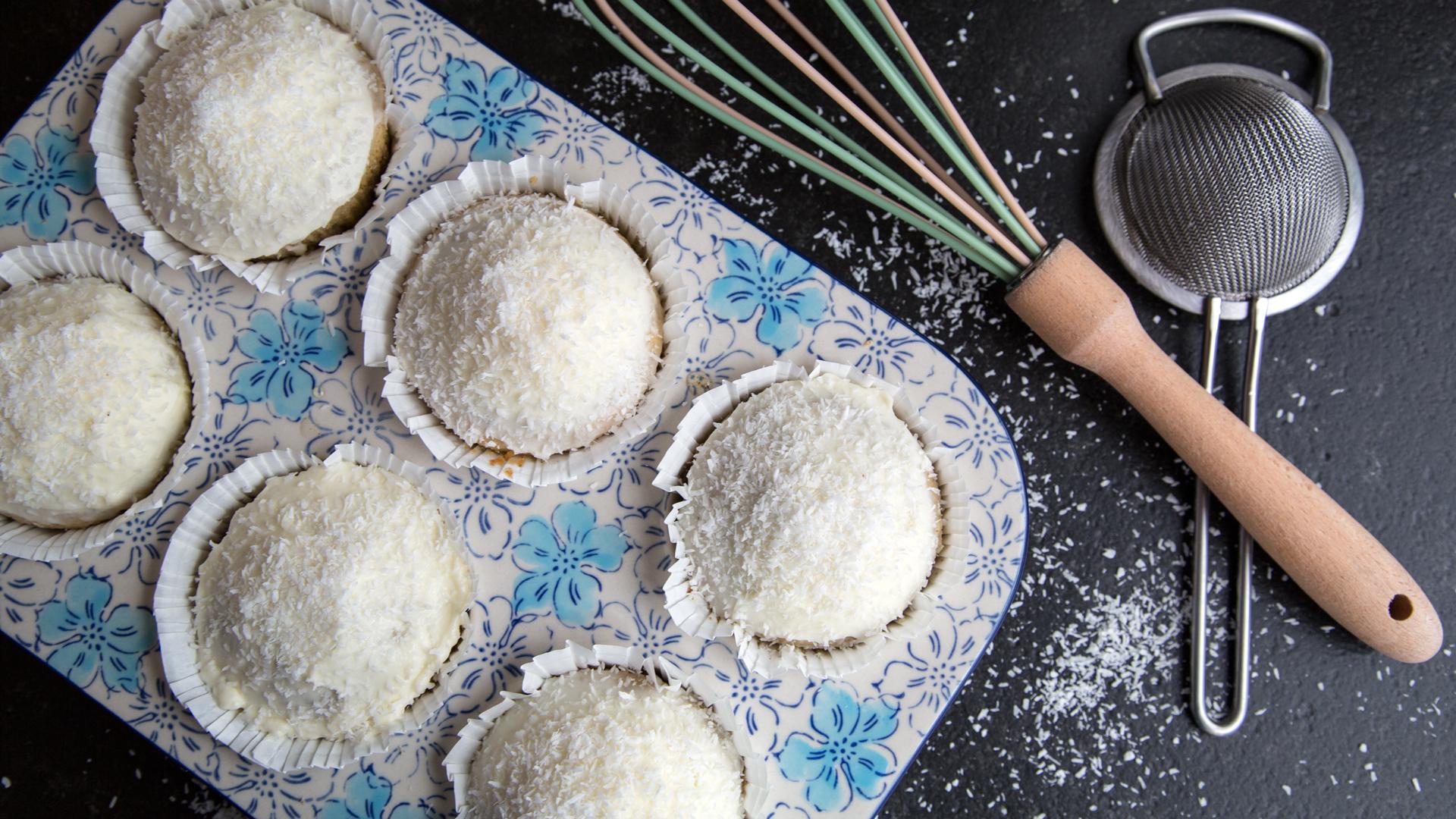 kokos-muffins-mit-bio-zitronenmyrte-rimoco16x9