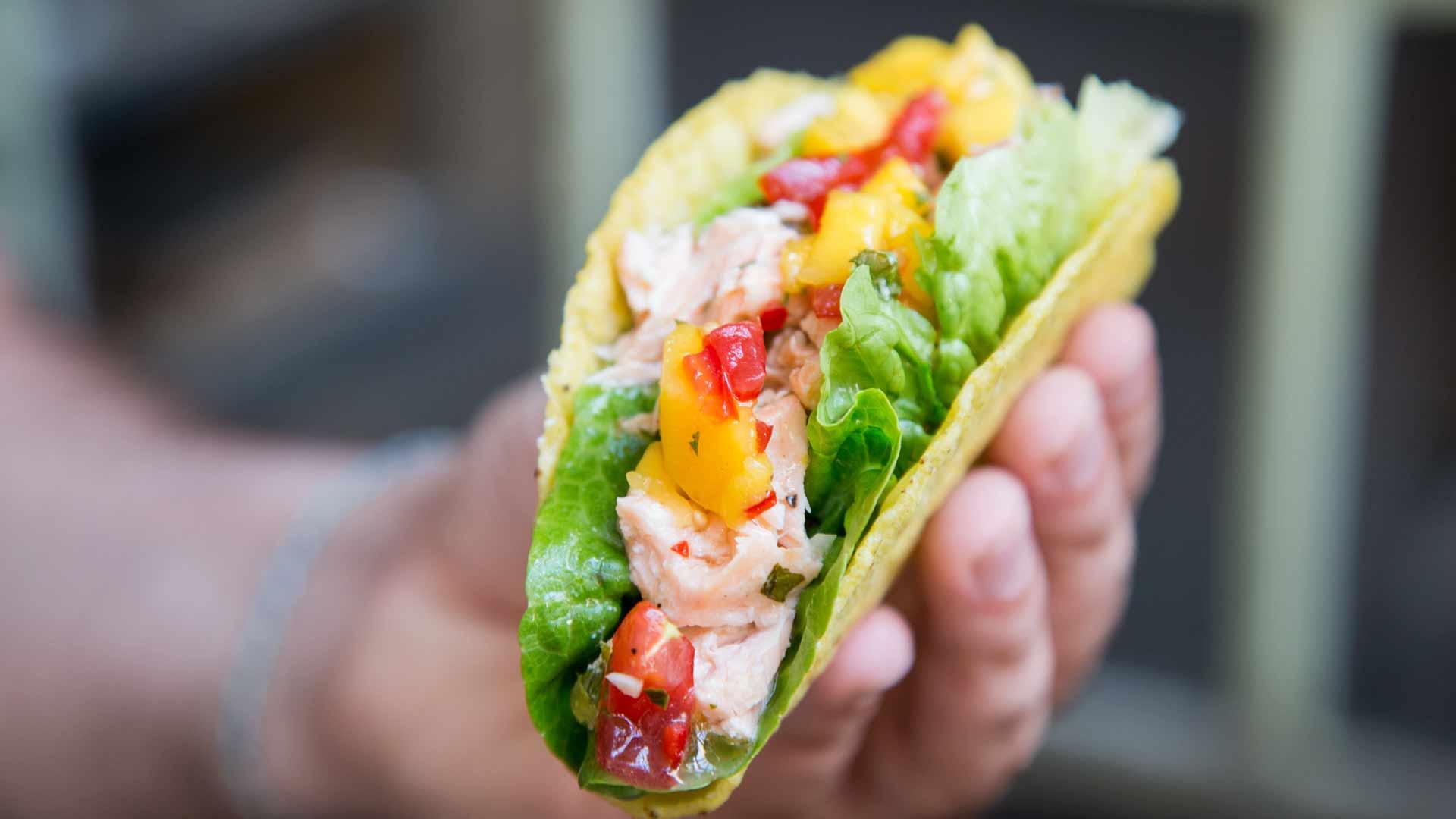 gegrillter-lachs-mit-mango-salsa-rimoco-16x9