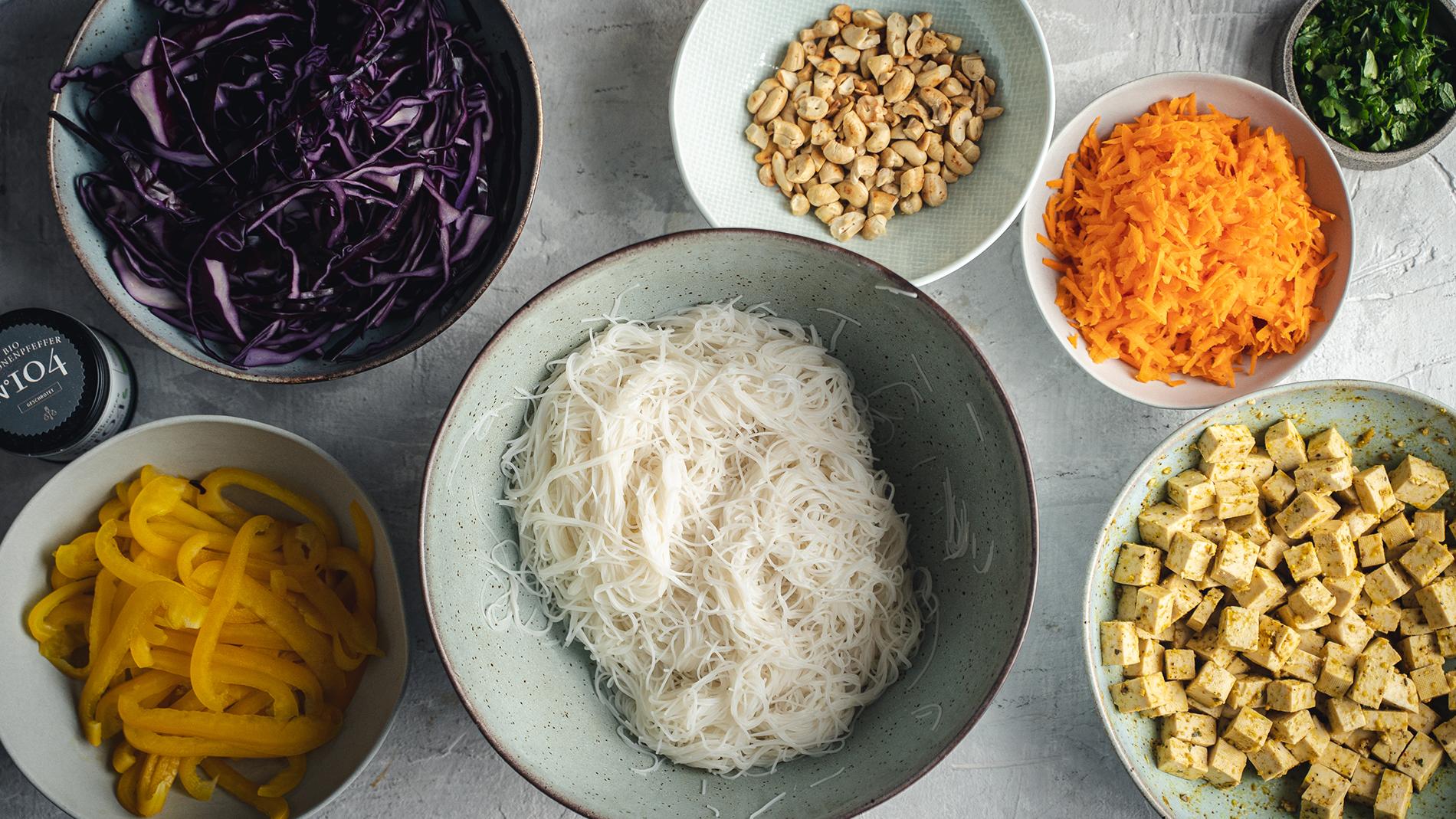 rimoco-zitronenpfeffer-rezept-marinierter-tofu-mit-reisnudeln-zutaten